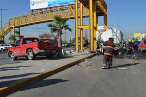 Bomberos detallaron que ninguno de los tripulantes de los vehículos quedó con lesiones graves, por lo que no fue necesaria la presencia de ambulancias.