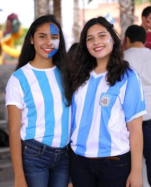 28102015 COMPAñERAS.  Marijose y Mariana.