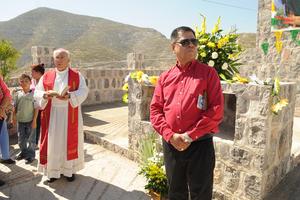 Monseñor se sumó a la celebración.