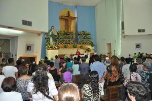 Laguneros mostraron su devoción por San Judas Tadeo.
