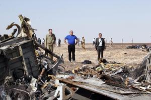 El avión ruso con 224 pasajeros a bordo que se estrelló en la península del Sinaí se destruyó en el aire, informó el Comité de Aviación Interestatal (CAI) de Rusia.