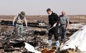 A excepción de tres pasajeros ucranianos, todos los pasajeros y tripulantes eran ciudadanos rusos, dijo Abdel Mahgub, presidente de la empresa estatal que gestiona los aeropuertos civiles egipcios.