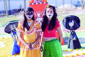 02112015 Lupita y Luz.