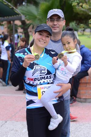 04112015 Fernando, Sandra y Constanza.