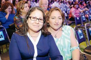 04112015 Verónica Nuncio y Jessica Guzmán.
