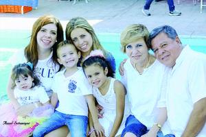05112015 TRIPLE FESTEJO.   Óscar Granados Hernández, Dorita Ortiz de Granados y Paulina Granados de Ocaña festejaron sus cumpleaños. Los acompañan Ivett, Sahly, Óscar Rafael y Mía Gutiérrez.