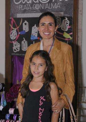 06112015 Gabriela y Carlota.