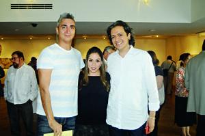 06112015 Norma Sánchez, Érika Archaga y Carlos Membreño.