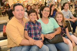 06112015 Luis, Leo, Estela y Luisa.