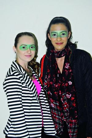 06112015 Gaby y Samantha.