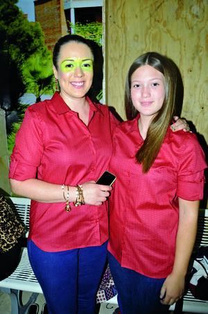 06112015 Vicky Hernández y Estephy Moreno.