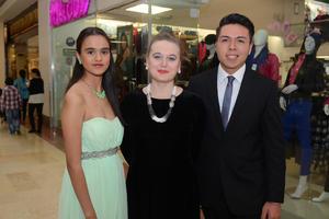 06112015 Marytere, Tatiana y Víctor.
