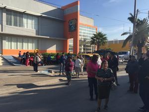 La manifestación se registró afuera de la Secretaría de Finanzas.