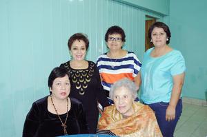 08112015 Lucy Veleta, Juanita Morales, Magda Pérez, Sarita de Flores y Alejandra Hernández.