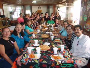 09112015 TRADICIONAL FESTEJO.  Personal docente y administrativo de la Escuela 18 de Marzo.