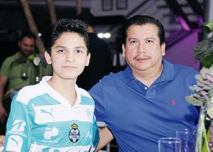 08112015 Manuel y Manuel.