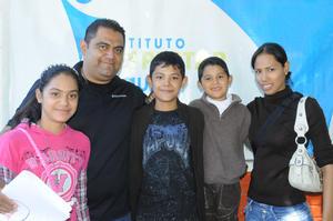 09112015 Esmeralda, Arturo, Arturo, Ángel y Consuelo.