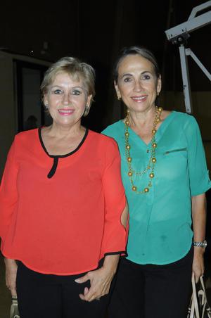 08112015 Carmen y Maga.