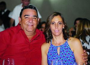 09112015 EN PAREJA.  Eduardo y Charito.