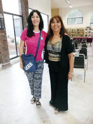 10112015 VELADA LITERARIA.  Diana Beatriz Ortiz de Ramírez y Blanca Domínguez.