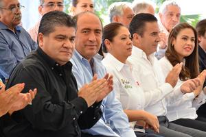 El evento estuvo encabezado por el gobernador Rubén Moreira y el alcalde de Torreón, Miguel Riquelme.