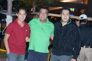11112015 Alejandro, Eduardo y Eduardo.