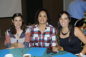 11112015 Tere Morales, Mariel y María Williams.