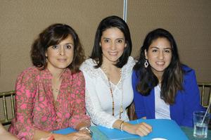11112015 Olinka Lara, Lety González y Karen Rivera.