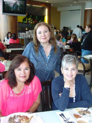 12112015 Lizeth, Nidia, Érika, Betsy y Víctor Iván.