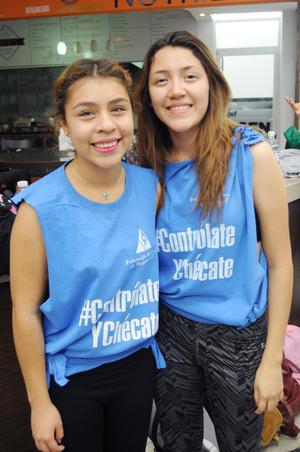 14112015 Natalia y Anahí.