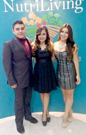 15112015 L.N. Javier Muro, L.N. Paola Ruelas y L.N. Jazmín Ramírez.