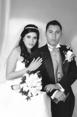 Perla Janeth Cardona Barragán y Jonathan Villalpando Mejía.