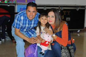 16112015 Juan Manuel y Argentina con Ariana.