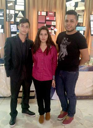17112015 Benjamín Mena, Elizabeth Mena y Omar Medina.