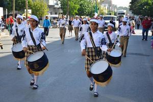 Atendieron el llamado también estudiantes de secundarias de Torreón.