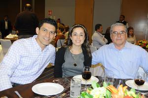 21112015 Francisco E. Torres, Martha y Martín Arreola.