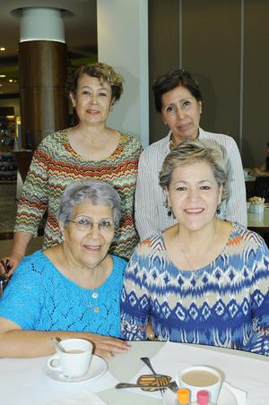 20112015 Rosita Urbina, Velia González del Río, María y Guillermina González del Río.