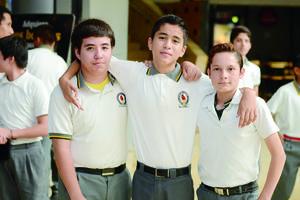 21112015 Héctor, Christian y Vicente.