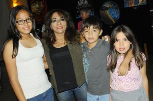 21112015 Vanessa González y Patricia Franco.
