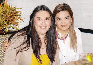 22112015 Marvi y Adriana.
