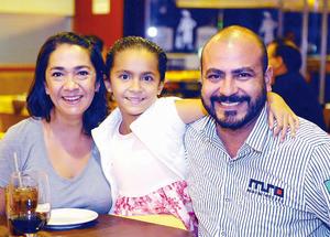 22112015 Luis Fernando, Laura y Fernando.