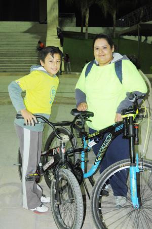 24112015 Diego Hernández González y Lizeth González.