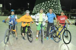 24112015 Daniel, Josie, Jaime, Miguel y Carlos.