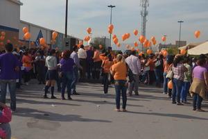 En total, más de mil personas participaron en la marcha.