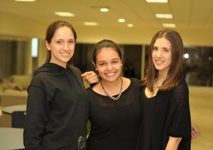 25112015 Irma, Adriana y Cristy.