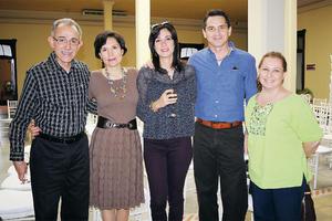 25112015 EN RECIENTE EVENTO.  Fernando, Gina, Georgina, Boyardo y Myrna.