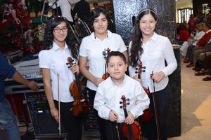 26112015 Ana, Osmara, Emiliano y Carolina.