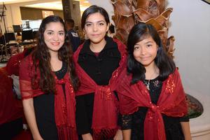 26112015 Ana, Karla y Alondra.