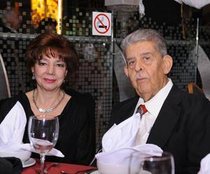 Rosario y José Iza