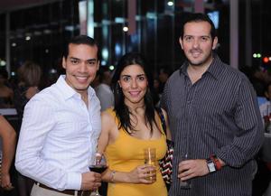 27112015 Cynthia y Jorge.